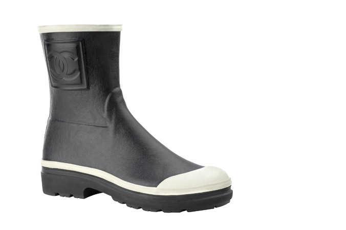 10ea15892c470 Los esstampados siempre son originales en botas o botines. Estas botas de  agua cuentan con un estampado geométrico que usa los colores verde agua