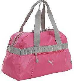 Pero si no te gusta llevar a la mano sino en la espalda, esta mochila de The North Face es la opción perfecta. Su tamaño compacto y su capacidad te serán de