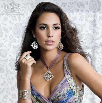 e90c697635a1 Otra casa especialista en la orfebrería de lujo es la joyería y platería  Pereda
