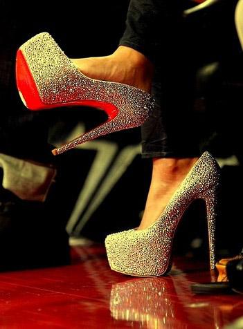 Christian Louboutin Zapatos Precio